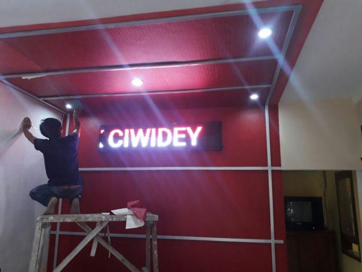 Running Text Ciwidey